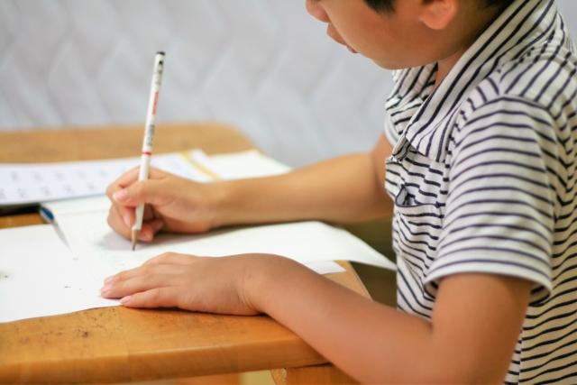 小学生「さっぱりした!」朝の学習時間をつかって『ゼロ秒思考』A4メモ書きを実践!